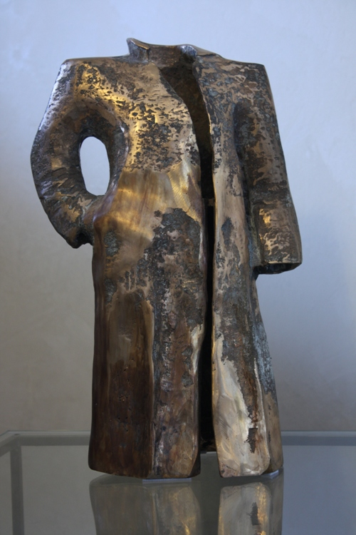 Sculptures - The broadshouldered man - Bronze